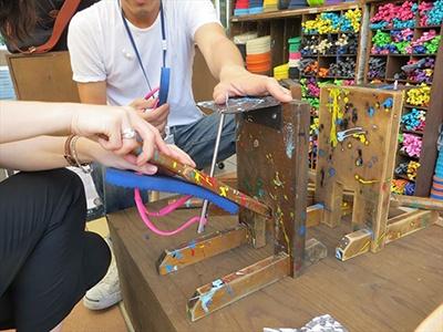 定期的に開催予定のワークショップに参加して自作のビーチサンダルが作れる(材料費のみ。講習料は無料)