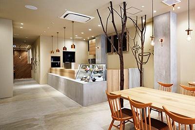 2016年6月30日オープンの「ソルビン ハラジュク」(渋谷区神宮前1-14-34 グリーンオーク原宿2階)。エンポリオが運営する「ムイムーチョ」に隣接するビルの2階。営業時間は11-21時、不定休