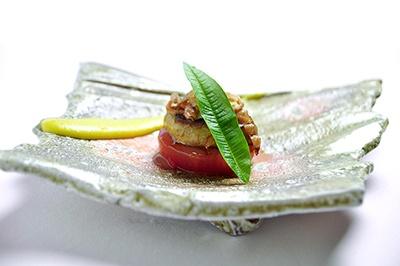 フレンチはもちろん、イタリアンや和食風など、レストラン出身のホテルらしく、自由な発想の本格料理をラインアップ