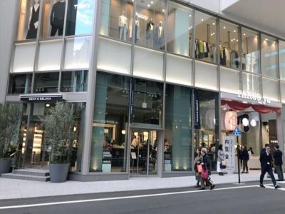 「DEAN & DELUCAカフェ PARCO_ya上野店」は、高感度な食のセレクトショップとして人気の高いDEAN & DELUCAが展開するカフェ。シンプルでスタイリッシュな店構えが上野の街の風景を変えそうだ