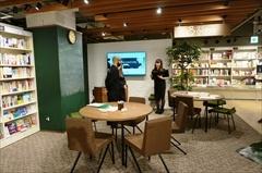「誰でも気軽に参加できる英会話体験」をコンセプトに、マンツーマン英会話スクールを運営するGABAの新業態「and Gaba.(アンド ガバ)」(5階)
