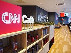 館内にはCNNのニュース配信する「CNNカフェ」も併設