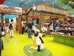 英国発のクレイアニメ「ひつじのショーン」をテーマにした体験型アミューズメントパークはららぽーとエキスポシティ3階フードコートの隣