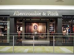 「アバクロンビー&フィッチ」はショッピングモール初登場。兄弟ブランドの「ホリスター」も大阪エリア初出店