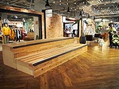 次世代のボードスポーツをサポートする「H.L.N.A」が大阪初進出。ニューヨークのブルックリンをイメージした空間に、ボードスポーツをルーツとする11のブランドが集結。スケーターの滑走が可能なミニランプも設置