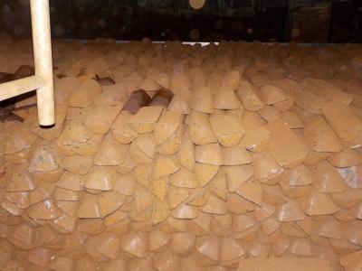 地下部分に入れた銑鉄の様子。95トンもの重さになる