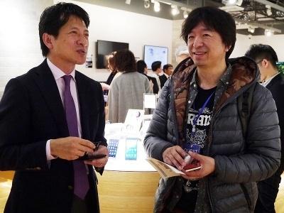 ソニーマーケティングの河野弘社長とクリプトン・フューチャー・メディアの伊藤博之社長(右)
