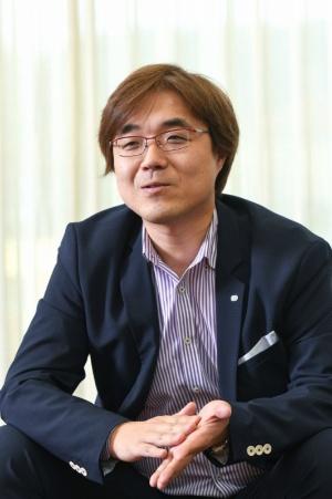 ●鯉沼久史(こいぬま・ひさし):1994年に東京電機大学を卒業、コーエー(現コーエーテクモゲームス)入社。「無双」シリーズを手がける開発チーム「ω-Force」にも所属。主にアクションゲームの制作に携わる。2006年に執行役員。2008年に常務、2011年に専務、2013年に副社長、2015年より代表取締役社長。2012年にはコーエーテクモホールディングスの取締役にも就任。千葉県出身