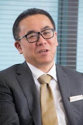 松田 洋祐(まつだ・ようすけ): スクウェア・エニックス・ホールディングス/スクウェア・エニックス 代表取締役社長。1963年生まれ。2001年にスクウェア・エニックス(旧スクウェア)に入社後、同社執行役員・取締役、タイトー取締役、スクウェア・エニックス・ホールディングス取締役などを経て、2013年から現職。