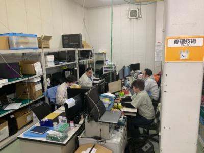 埼玉サービスセンターには、発売された製品に問題がないかなどもチェックする技術グループもある。ここで発見された不具合は社長を含め全社に一斉配信される。問題を早期に発見するシステムが整っている点がマウスコンピューターのすごいところだ