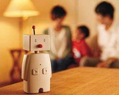 ユカイ工学の対話型ロボット「BOCCO」。myThingsを通じて、今日の天気予報などの情報をBOCCOが声で伝えることができる。シャープの「ともだち家電」シリーズでも同様のことができる