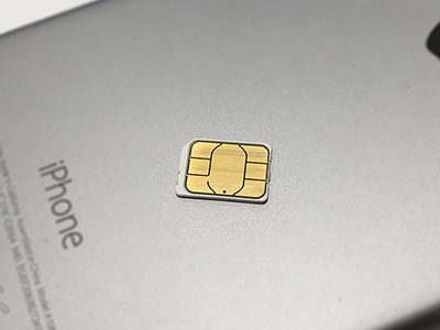 現在、一般的に使われているNanoサイズのSIMカード