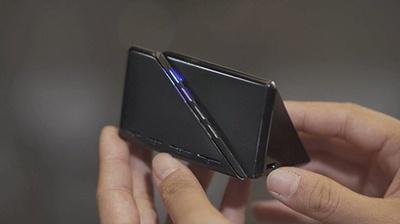 Cerevoが製品化し販売する「SIM CHANGER⊿」。17年3月までに出荷開始の予定で、一般販売の価格は1万5000円前後を予定(写真:Makuake)