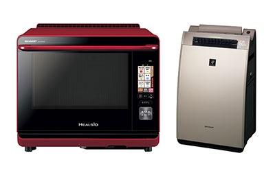 「AIoT」の機能を搭載したオーブンレンジと空気清浄機。「ウォーターオーブンAX-XP2WF」(写真左)は、使いたい食材を声で伝えるとレシピを提案してくれる。加湿空気清浄機「KI-WF100」は、花粉が多く飛んでいる日は声で知らせるなどの機能がある。対応製品のラインアップには他にエアコン、冷蔵庫、ロボット掃除機などもある