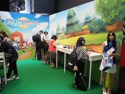 『ぷよぷよクロニクル』コーナー。ちょっと小さめで目立たない場所にあるが、ちゃんと試遊台を用意している