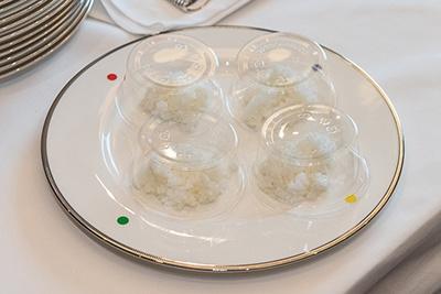 審査員にはグループ(審査米3銘柄と基準米)ごとにお米が提供された