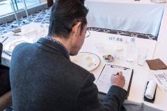 審査は専用の用紙に記入。「硬さ」と「粘り」についての評価をグラフに書き込み、味などの評は自由記入となっている