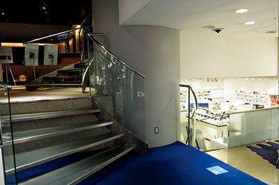 2017年3月で休館となる銀座のソニービル(1966年4月竣工)。スキップフロアは東急ハンズ渋谷店、ラフォーレ原宿、銀座・伊東屋の旧店舗など、1960~1970年代の商業建築によく見られた