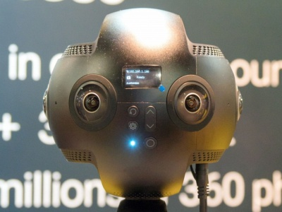 プロフェッショナル向け全天球カメラ。まるでロボットのような見た目だ