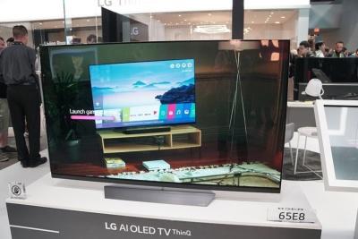 LGの2018年モデルのスマートテレビ。ThinQとGoogleアシスタントの両方に対応を予定している