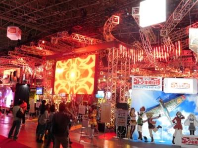 巨大なバンダイナムコエンターテインメントブース。今年は試遊台が充実しており、ゲームファンたちの注目度は高い