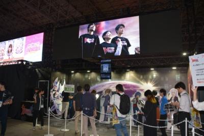『カードファイト!! ヴァンガードZERO』は試遊台が設置されている。ビジネスデイ午前中でも行列ができており、人気を博していた