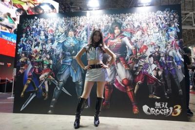 『無双OROCHI3』のフォトスポットでは、総勢170人の英雄と記念撮影ができる