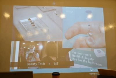 ビューティーテック:「異常にスマートミラーが多かったですね。ネイルの中に回路やバッテリーを入れてUV(紫外線)にどれだけさらされたかを可視化できる製品がありました」(岩佐氏)