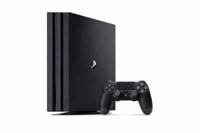 4K画質に対応した「PlayStation 4 Pro」(CUH-7000シリーズ)