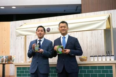 タニタの谷田千里社長(写真左)と、楽天の新サービス開発カンパニー プレジデントの安藤公二氏(写真右)