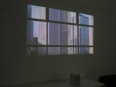 ポスター機能の「Window」の一例。窓枠まで再現される凝りようだ