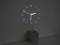 ポスター機能の「時計」の一例。アナログだけでなくデジタル表示もある
