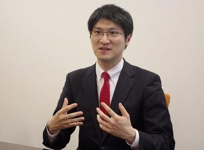 オトバンク会長の上田渉氏。お薦めのオーディオブックは『クリスマスのフロスト』(R・D・ウィングフィールド著)と『星を継ぐもの』(ジェイムズ・P・ホーガン著)