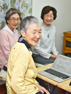 「シニアこそ積極的にプログラミングに取り組んでほしい」と語る若宮さん