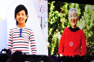 WWDC2017に参加した最年少プログラマーとして10歳のリマ・ソエリアントくん(左)とともに紹介されたのが、82歳の現役プログラマーである若宮正子さん(右)だ
