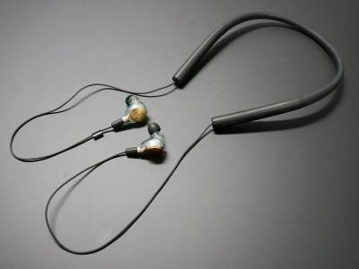 松尾氏のいち押しはワイヤレスでの利用。Just earはケーブル交換が可能なので、Bluetoothに対応したソニーのワイヤレスオーディオレシーバー「MUC-M2BT1」を組み合わせれば、スマホでの使い勝手はさらにアップする