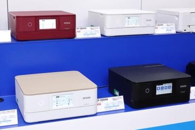 カラリオシリーズで売れ筋となる「EP-880A」。実売価格は3万1000円前後だが、プリンターの最量販時期の12月には2万円前半まで下がると見込まれる