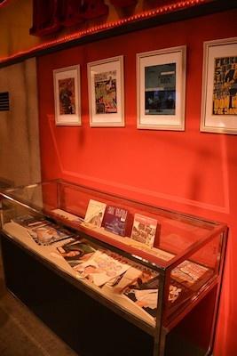 1960年代の雑誌やポスターなども展示