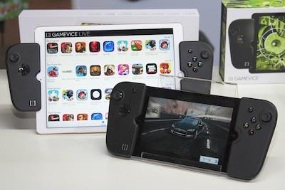 iPhoneやiPadとゲームパッドを一緒に持って、携帯ゲーム機ふうに操作できるのが魅力