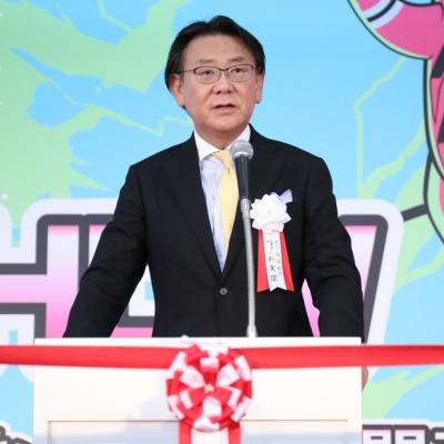 日経BP社 代表取締役社長の新実傑氏