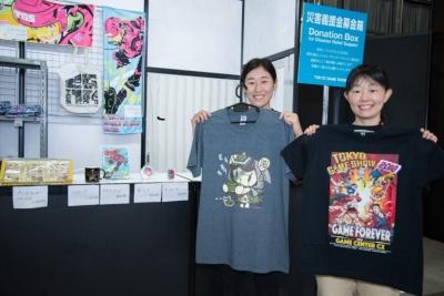 人気のTシャツO(左:税込み3500円)とTシャツM(右:税込み4000円)
