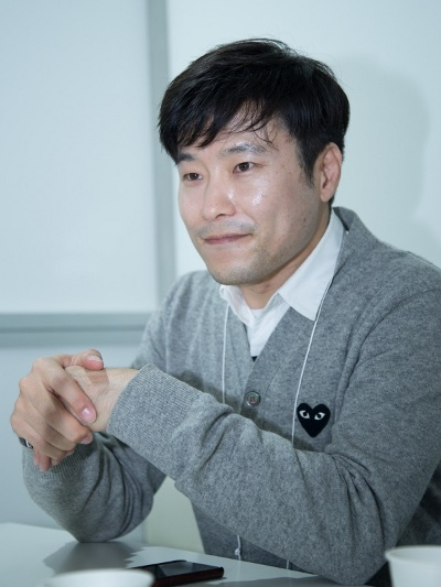 韓国パビリオンを仕切る金光烈マネージャー