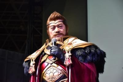 スマホ向けRPG『23/7 トゥエンティ スリー セブン』のゲームキャラクター「ウォーダン」役に扮する俳優の松平健さん