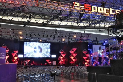 e-Sportsコーナーの左手にあるSamsung SSD presents RED STAGE