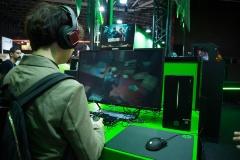 Pavilion Gamingの展示パソコン。Pavilion Gamingのイメージカラーは緑、サブカラーは紫だとか