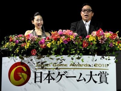 司会進行はおなじみの伊集院光さんと前田美咲さん(写真提供:TGS公式)