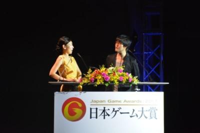 司会は日本ゲーム大賞授賞式でおなじみの鷲崎健さんと前田美咲さん