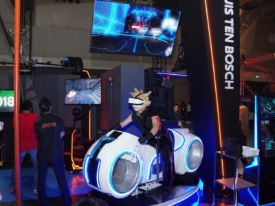JPPVRはバイク型などのロケーションVRを出展。特に人気の筐体だという