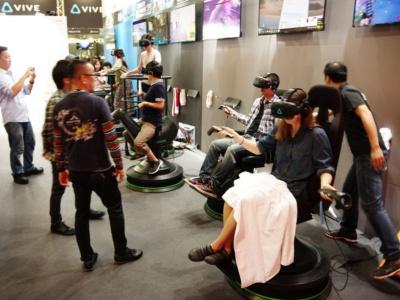 台湾JPW Internationalは、椅子やロデオ、カゴ形など複数の設備を展示。台湾でVRアーケードと開発を手がけており、今後20店舗以上開店予定だという