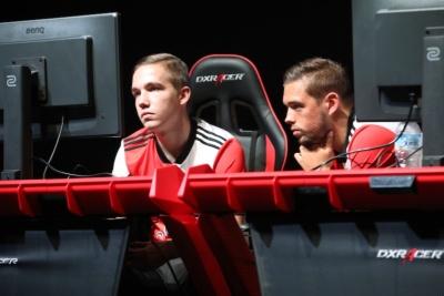 FeyenoordJaeyD選手(右)と、YimmieFD選手(左)。eスポーツ大国であるオランダからの来日した。